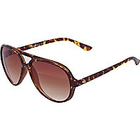 Brown tort aviators