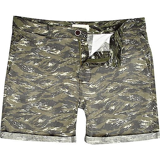 Brown tiger print short