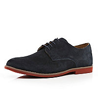 Blue contrast sole shoes
