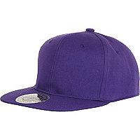 Purple snapback cap
