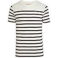 Red horizontal stripe t-shirt