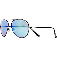 Blue tinted metal aviator sunglasses