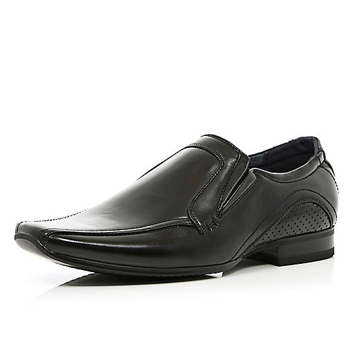 Black pointed perforated formal shoes
