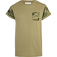 Green camo pocket short sleeve t-shirt