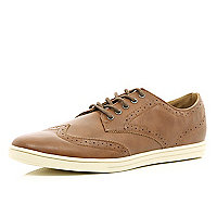 Brown casual brogues