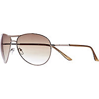 Brown tinted metal aviator sunglasses