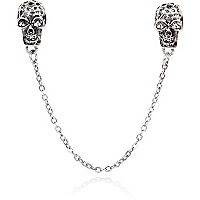 Grey metal skull chained collar tips