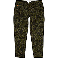 Green camo printed turn up trouser