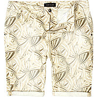 Ecru fan print rolled shorts