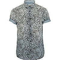 Blue leopard print short sleeved denim shirt