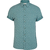 Green fall print short sleeve shirt