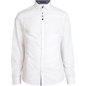 White accent button long sleeve shirt
