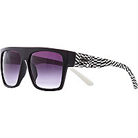 Black Quay geometric print sunglasses