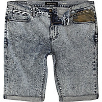 Acid wash camo pocket skinny denim shorts