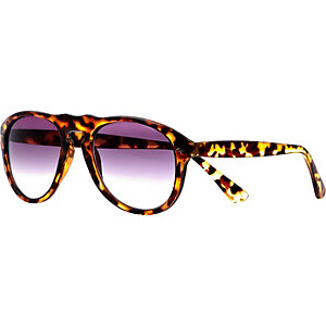 Black tortoise shell retro sunglasses