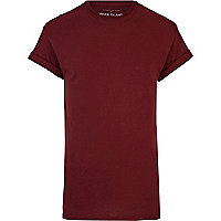 Red short sleeve roll sleeve t-shirt
