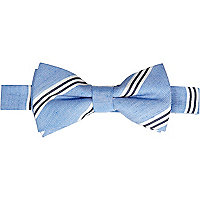 Light blue diagonal stripe bow tie