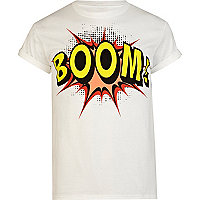 White boom print roll sleeve t-shirt