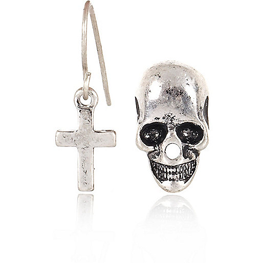 Grey cross and skull earring pack