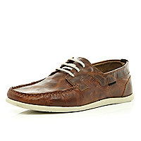 Brown tumbled lace up boat shoes