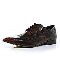Dark red Base high shine pointed brogues