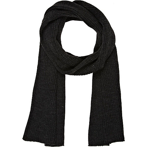 Dark grey ribbed knit scarf