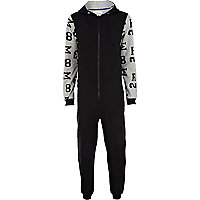 Black number print sleeve onesie