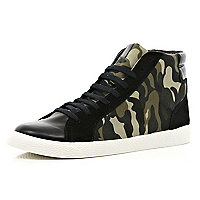 Black camo print panel high tops