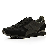 Black contrast panel streamline trainers