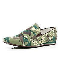 Green Dispair camo print contrast trim shoes