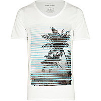 White stripe palm tree print t-shirt