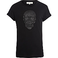 Black skull applique t-shirt
