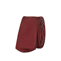 Burgundy skinny tie with clip