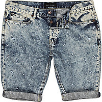 Light wash lightening skinny denim shorts