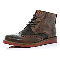 Brown contrast panel brogue boots