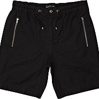 Black zip pocket casual shorts