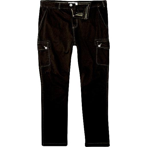 Black slim carrot cargo pants