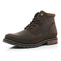 Dark brown Cat chukka boots