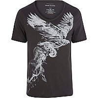 Black eagle smoke print low scoop t-shirt