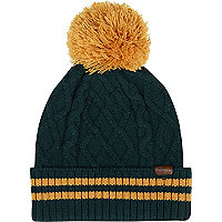 Dark green stripe trim beanie hat