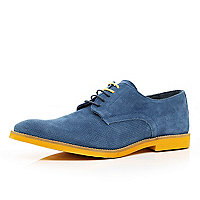 Blue contrast sole perforated shoes