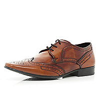 Brown high shine pointed brogues