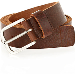 Brown cracked slim belt