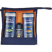 Nivea energise wash bag set