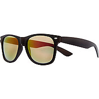 Dark brown wooden Jeepers Peepers sunglasses