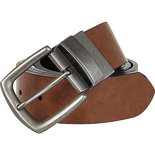 Light brown and black reversible belt