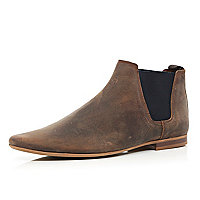 Brown leather pointed Chelsea boots