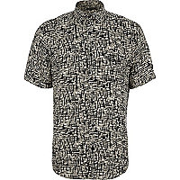 Black sketchy print short sleeve shirt