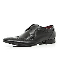 Black pointed wingtip brogues