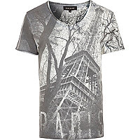 White Eiffel Tower print t-shirt